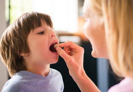 Vì sao trẻ uống thực phẩm chức năng tăng chiều cao mà vẫn lùn?