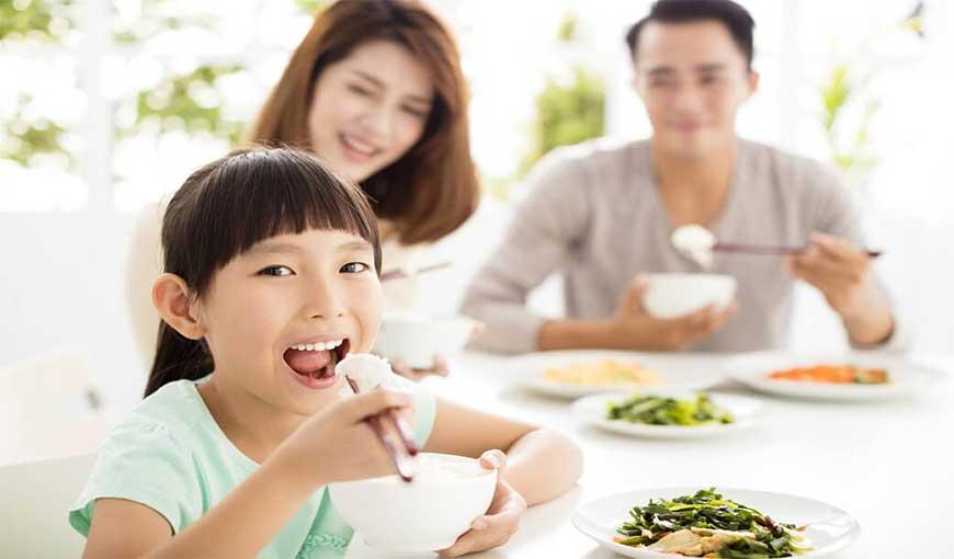 Cần ăn sáng đầy đủ để tăng chiều cao tối đa