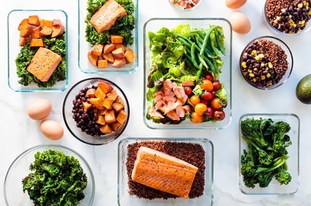 Ăn uống đủ chất để nuôi dưỡng xương mạnh khỏe, tăng trưởng tốt