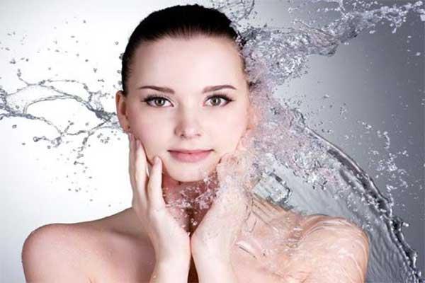 nước giúp bảo vệ làn da