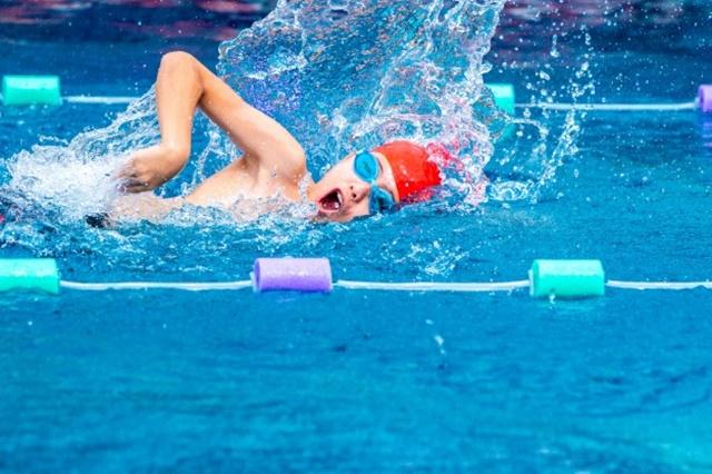 Hãy sắp xếp thời gian để đi bơi 2 - 3 lần mỗi tuần để đạt được hiệu quả tối ưu