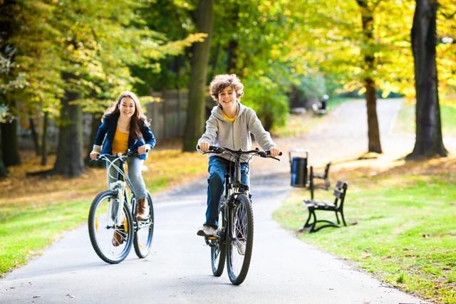 Đạp xe giúp phát triển xương chân nhanh chóng
