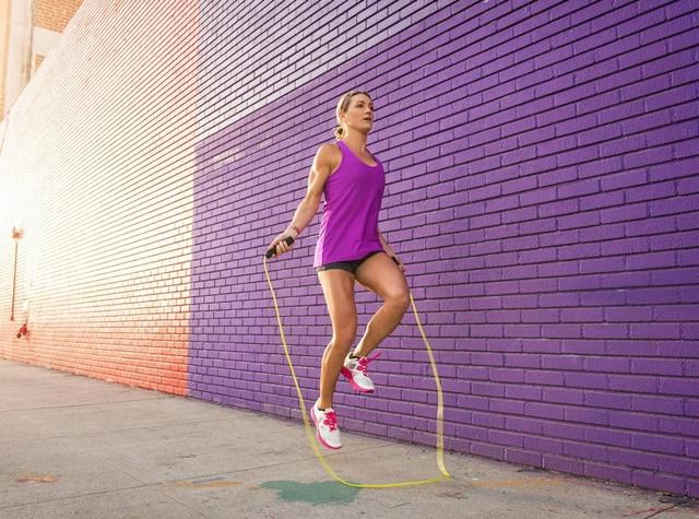 Nhảy dây mỗi ngày để tiêu hao mỡ thừa, thúc đẩy tăng chiều cao