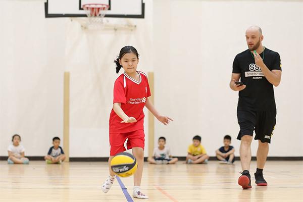 động tác rê bóng rổ