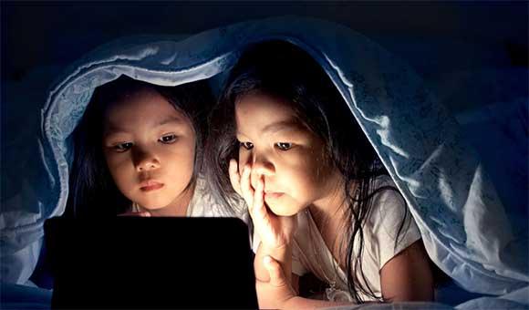 đừng để trẻ thức khuya