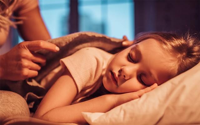 """Một giấc ngủ đúng giờ là điều kiện quan trọng để bạn có thể cải thiện """"tầm vóc nấm lùn"""""""