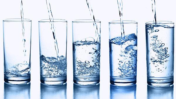 Nước lọc có công dụng tuyệt vời trong việc phát triển chiều cao của trẻ
