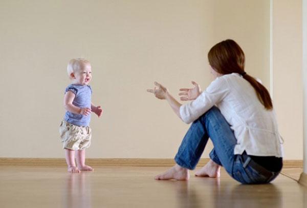 Thường xuyên vận động, cơ và xương trẻ sẽ cứng cáp và linh hoạt hơn