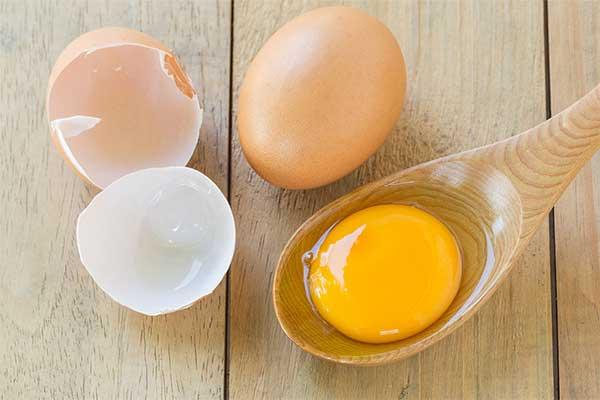 lòng đỏ trứng