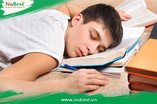 ngủ đủ giấc giúp tăng chiều cao ở tuổi dậy thì