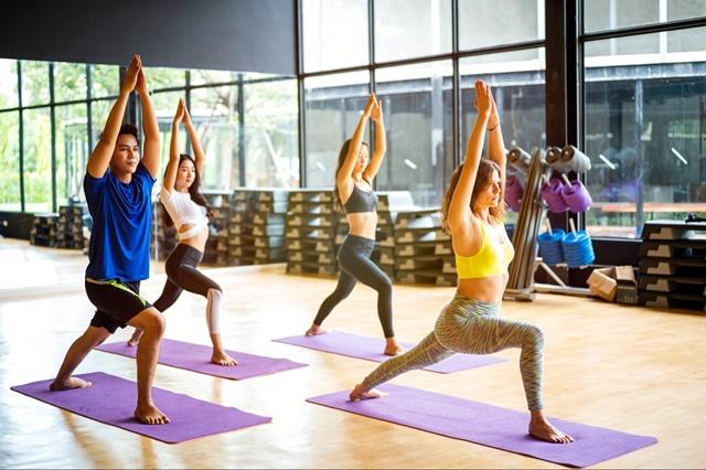 Thường xuyên thực hiện bài tập kéo giãn cơ thể cũng giúp bạn tăng chiều cao đáng kể