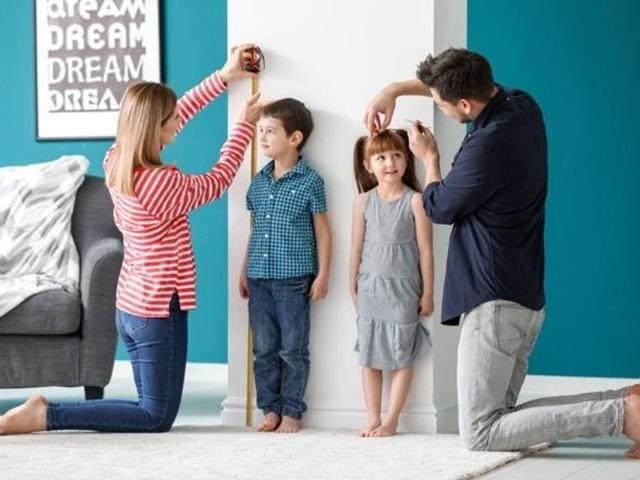 Theo dõi chiều cao, cân nặng của con thường xuyên giúp cha mẹ chăm sóc con tốt hơn