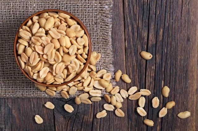Đậu phộng chứa nhiều Protein, giúp bạn giảm cân hiệu quả