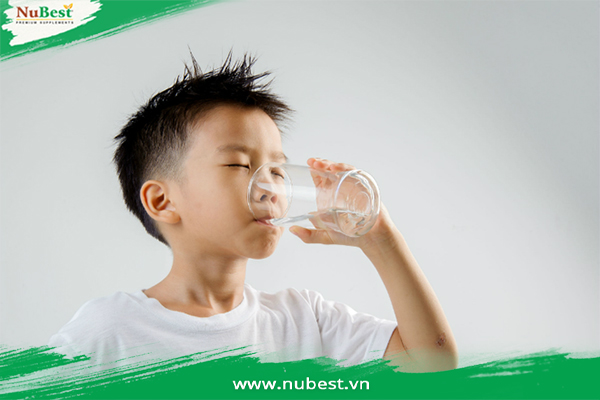 uống đủ nước để tăng chiều cao tốt hơn ở tuổi 13