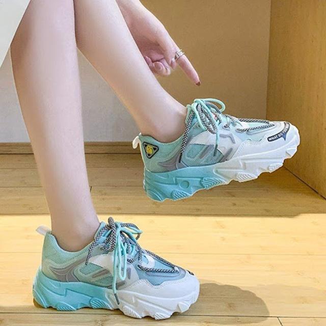 Size giày không tăng trong 6 tháng là dấu hiệu ngừng phát triển chiều cao